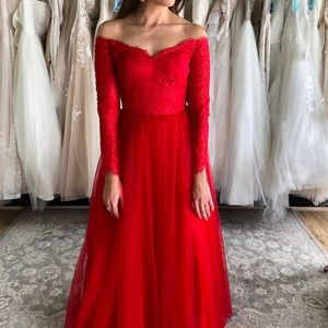 Red Off Shoulder Ball Gown Tulle Skirt, Lace Top